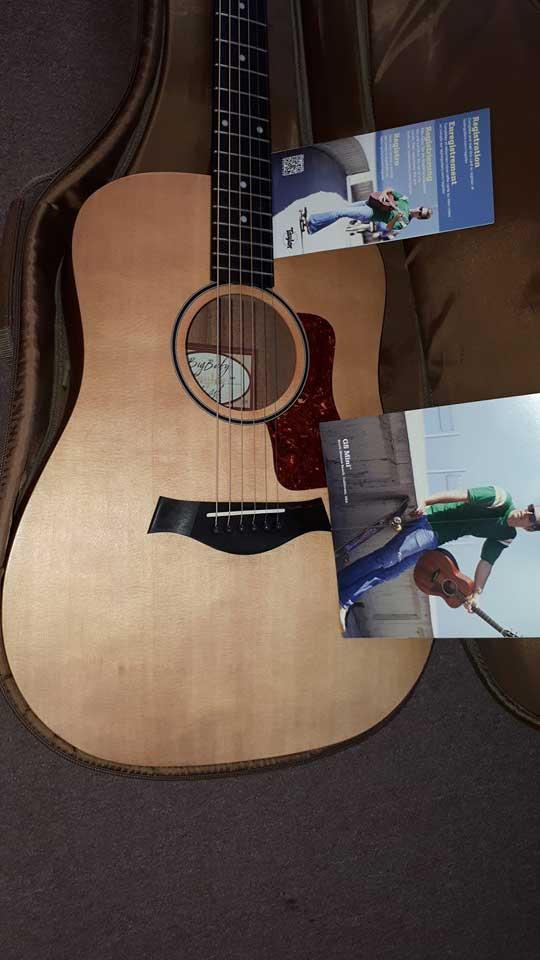 גיטרה וינטג' תל אביב, גיטרה וינטג', taylor big baby mint condition
